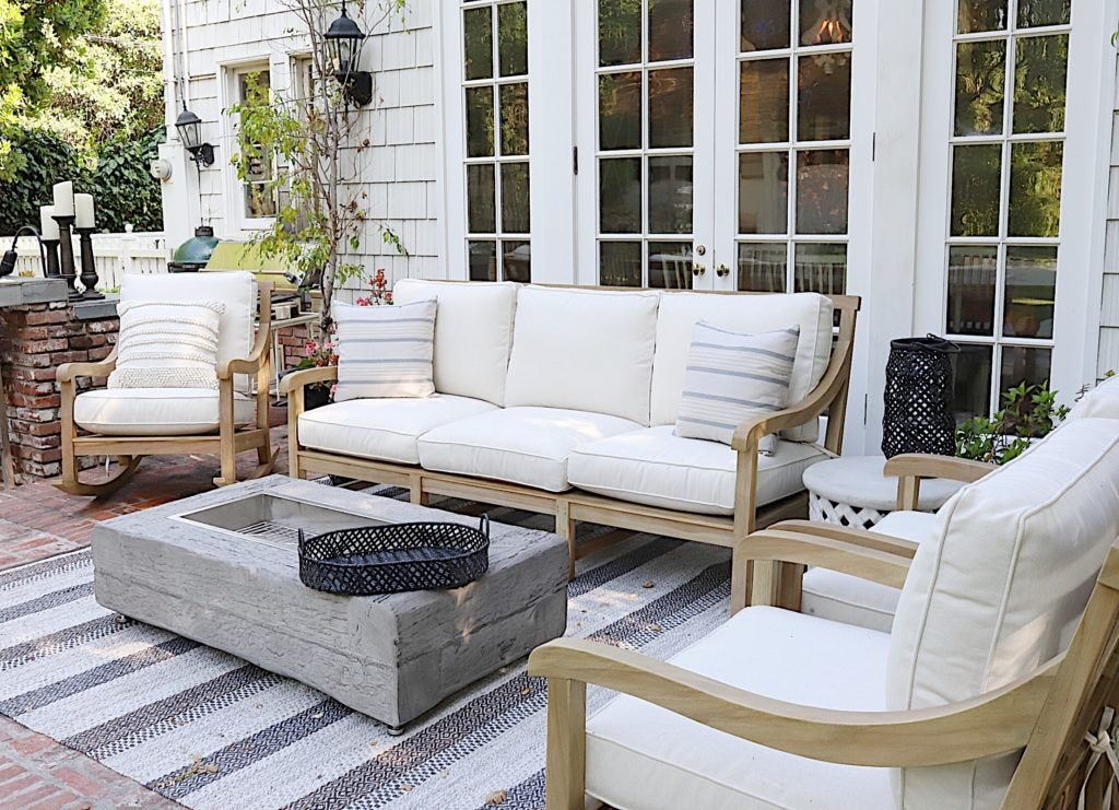 comfortable porch furniture